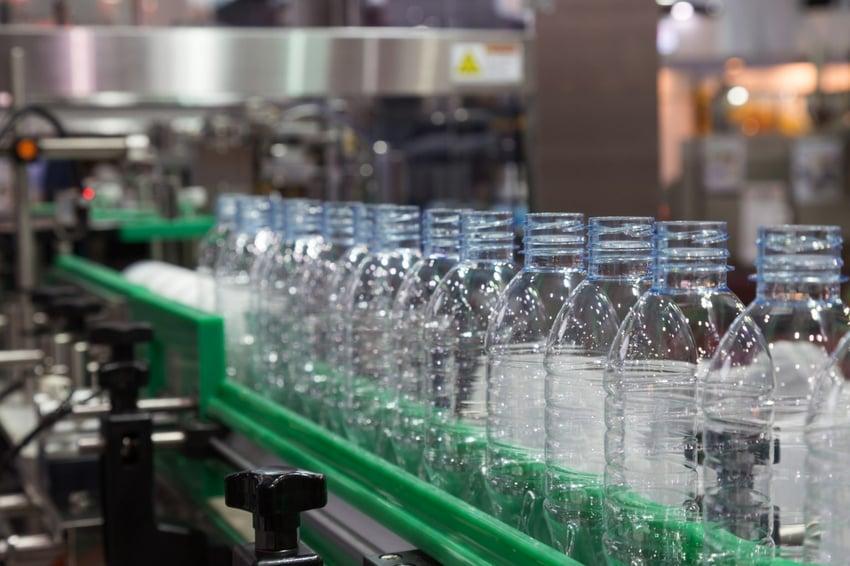 Leak testing empty plastic containers